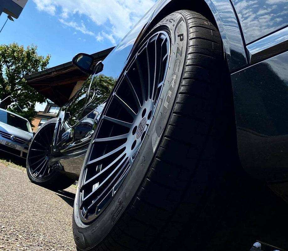 Hliníkové ráfiky znižujú hmotnosť auta, čo sa premieta do zlepšených jazdných parametrov a bezpečnosti. Kúpiť na LadneFelgi.pl